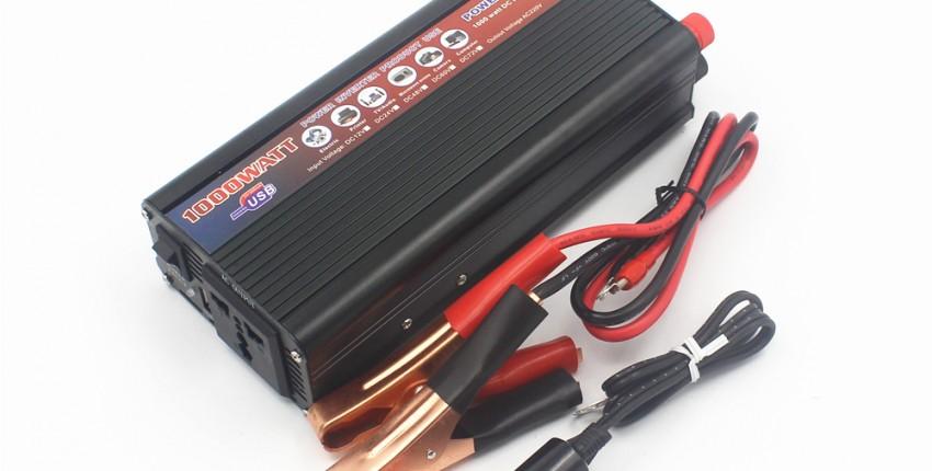 Автомобильный инвертор 2000 Вт. Преобразует постоянное напряжение 12 В в переменное 220В.