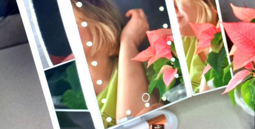 Складное зеркало с подсветкой и увеличением - отзыв покупателя
