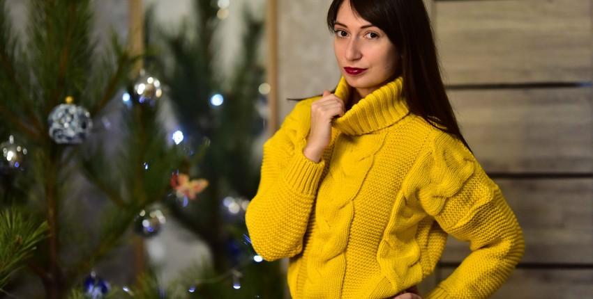 Тёплый жёлтый свитер от Tomorrow Store - отзыв покупателя