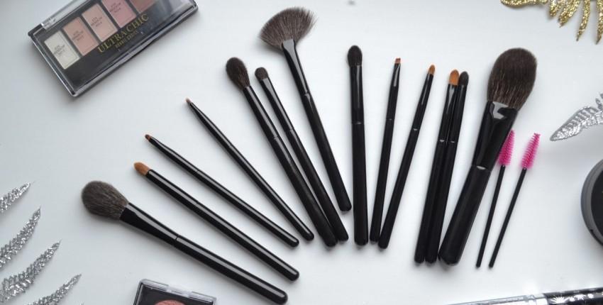 Набор самых необходимых кистей для макияжа