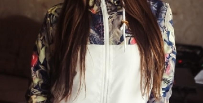 Женская спортивная ветровка с красивым цветочным принтом - отзыв покупателя