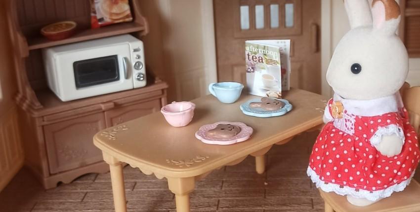 Комплект принадлежностей для кухни и мебели для игрового набора Sylvanian Families. - отзыв покупателя