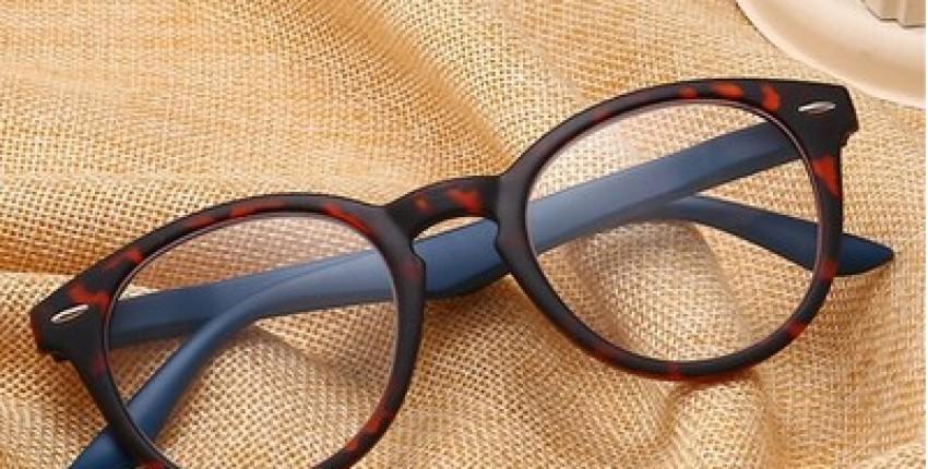 UVLAIK Toughness PC reading glasses Women Men ultralight Resin Material. - User's review