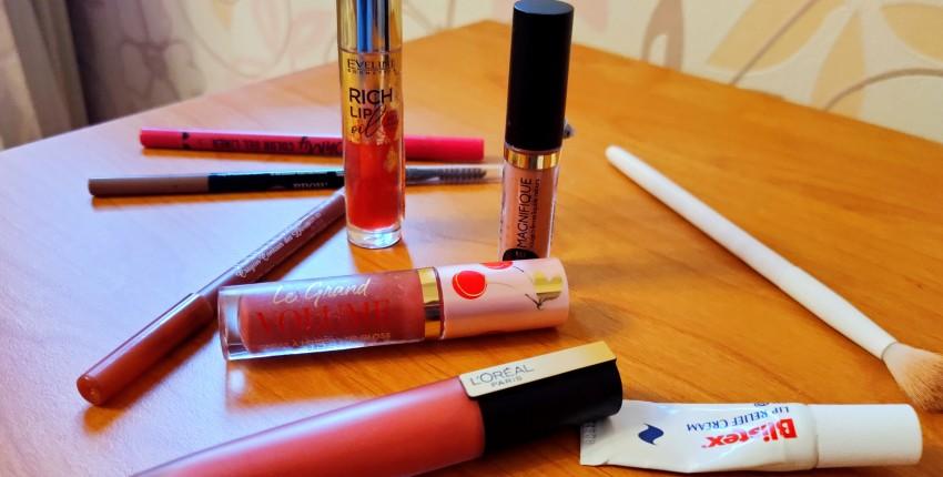 Обзор на продукты для губ из Золотого Яблока. Vivienne sabo, LOréal Paris, Eveline, Blistex - отзыв покупателя