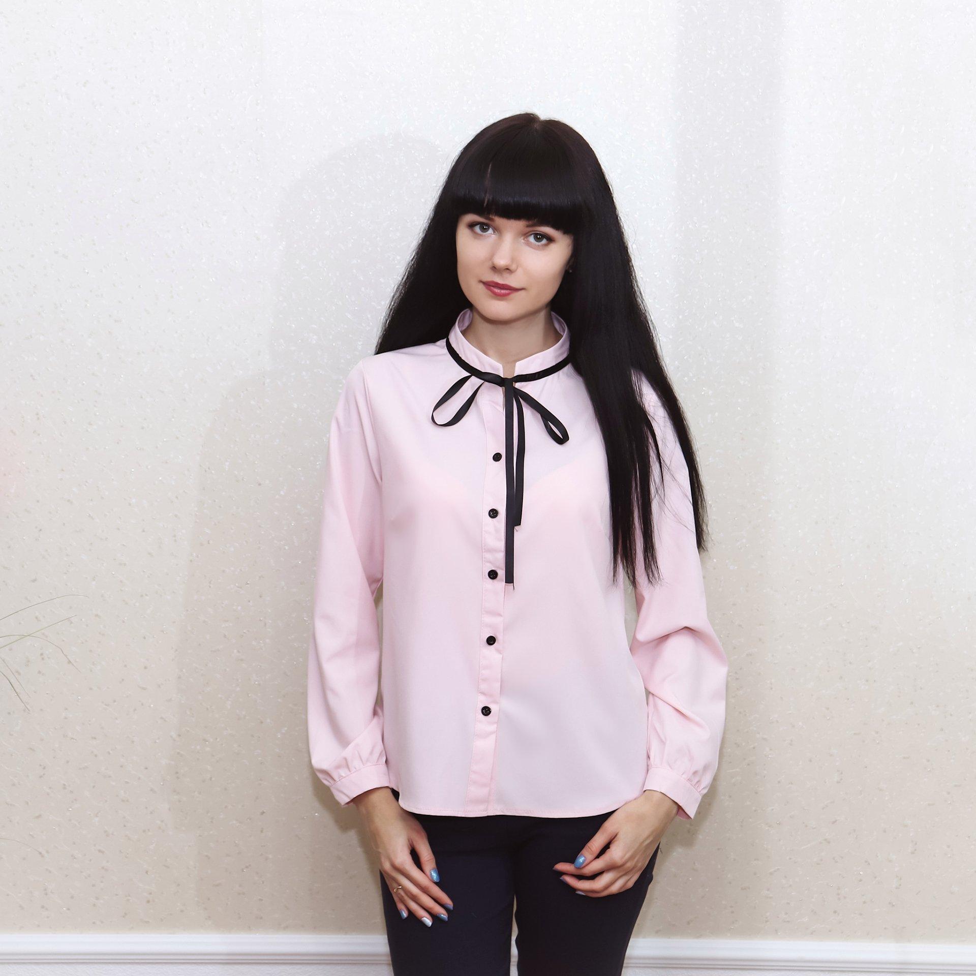 Офисная блуза в розовом цвете
