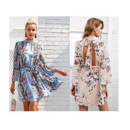Летнее платье с цветочным принтом