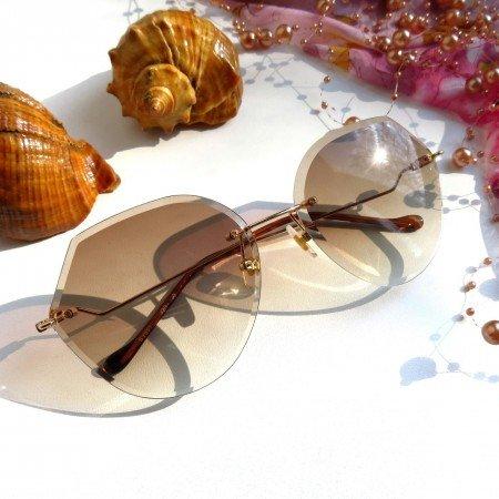 Стильные солнцезащитные очки без оправы
