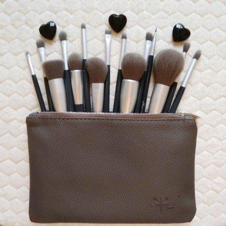 Набор профессиональных кистей для макияжа от Anmor Speciality Store