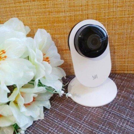 Домашняя камера видеонаблюдения YI 720P