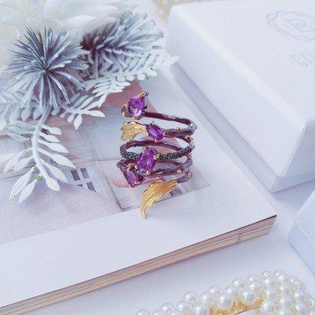 Фантастическое кольцо с аметистами GEMS BALLET
